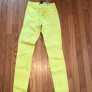 H&M yellow skinny jeans